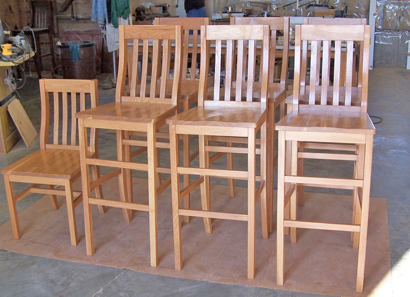 Set Of Five Old Hickory Swivel Bar Stools And Bar Table At